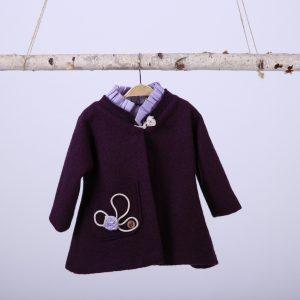 Mantou pentru fetite, din stofa de lana