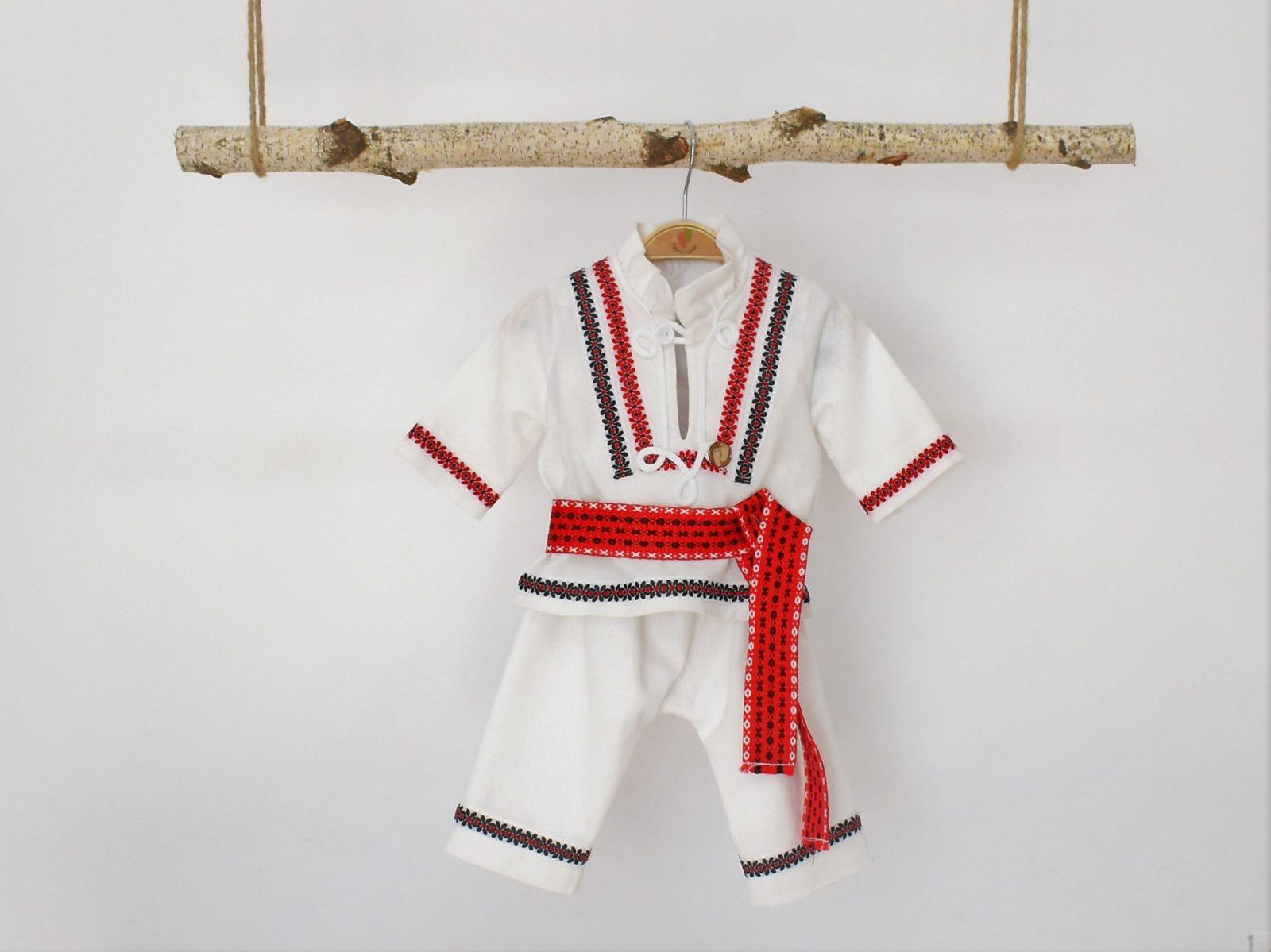 Costum popular pentru botez băieți -Hai la Horă!