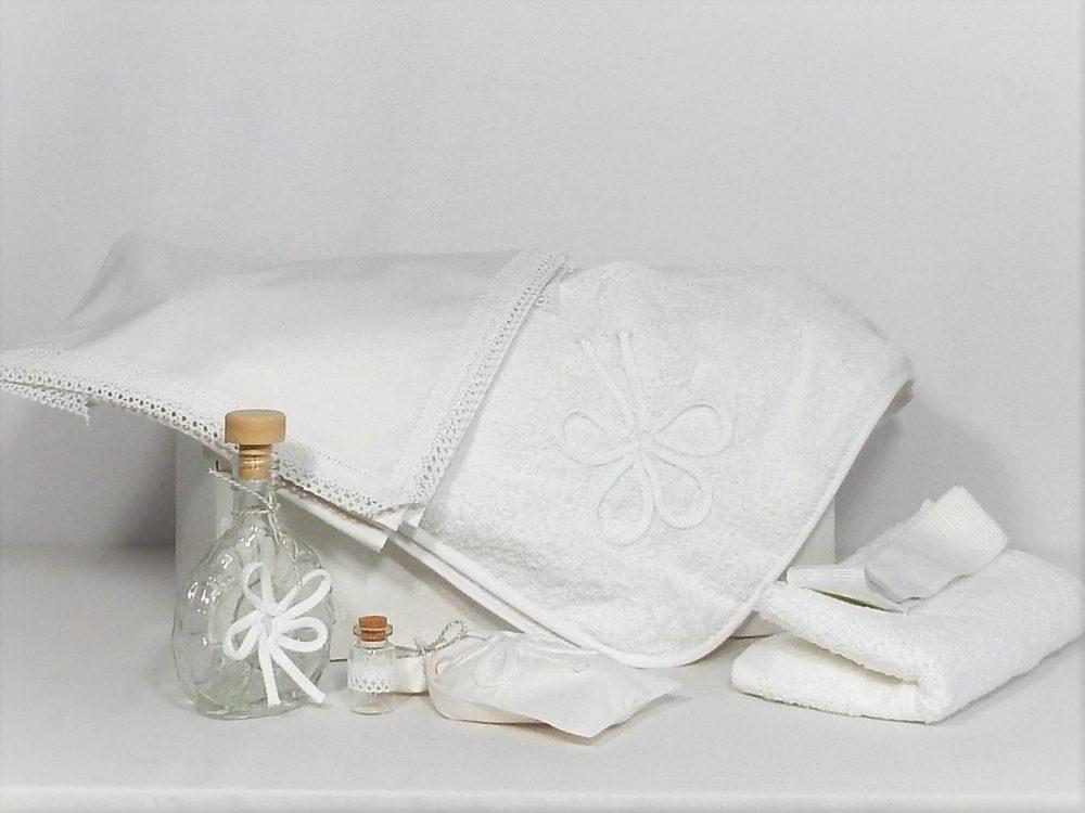 Trusou botez alb pentru biserică- Ursitoarea cu Noroc