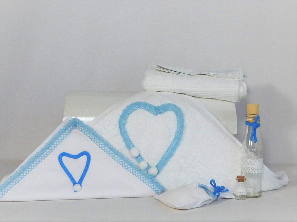 Trusou pentru botez deosebit alb - Inimă albastră