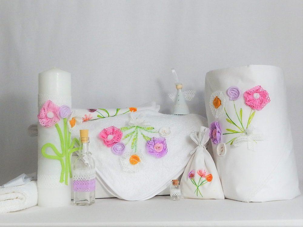 Set alb pentru botez fetițe- trusou, lumânare, păturică- Flori de Vară