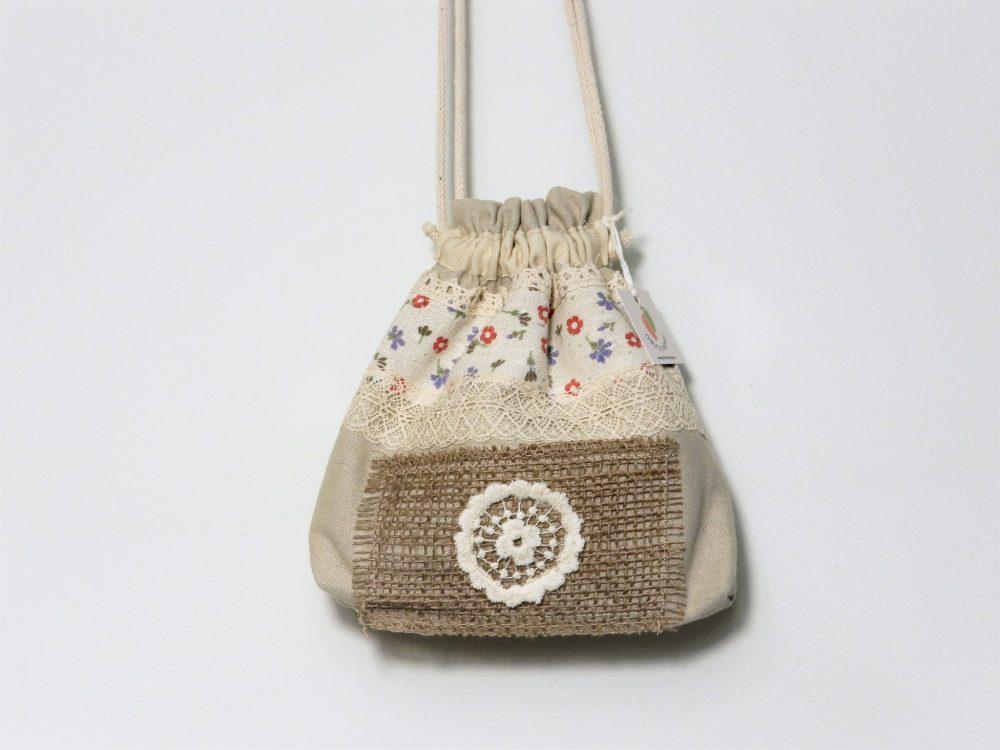 saculet traditional floricele pe campii