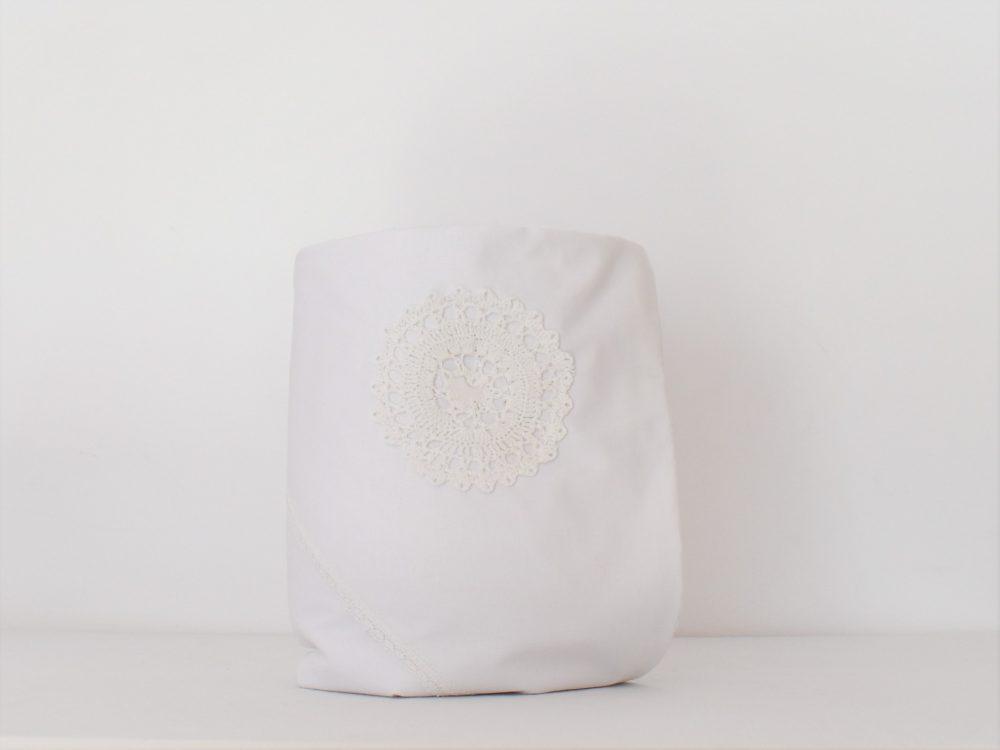Păturica albă handmade pentru botez- Spuma Laptelui