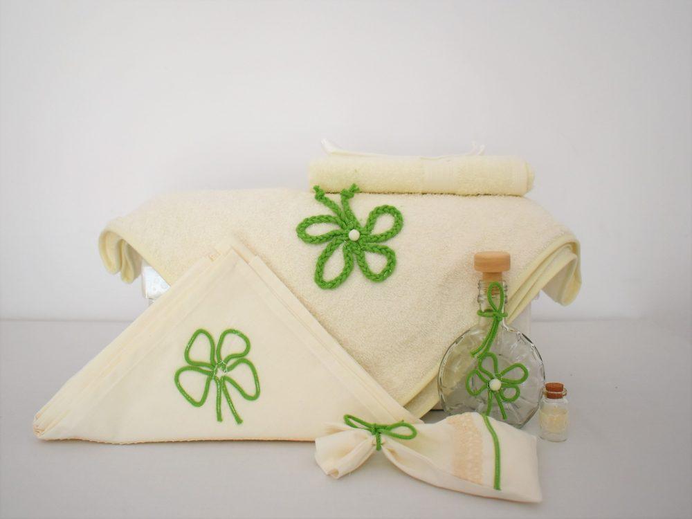 Trusou botez inedit ivoire- Trifoiul Verde cu Noroc
