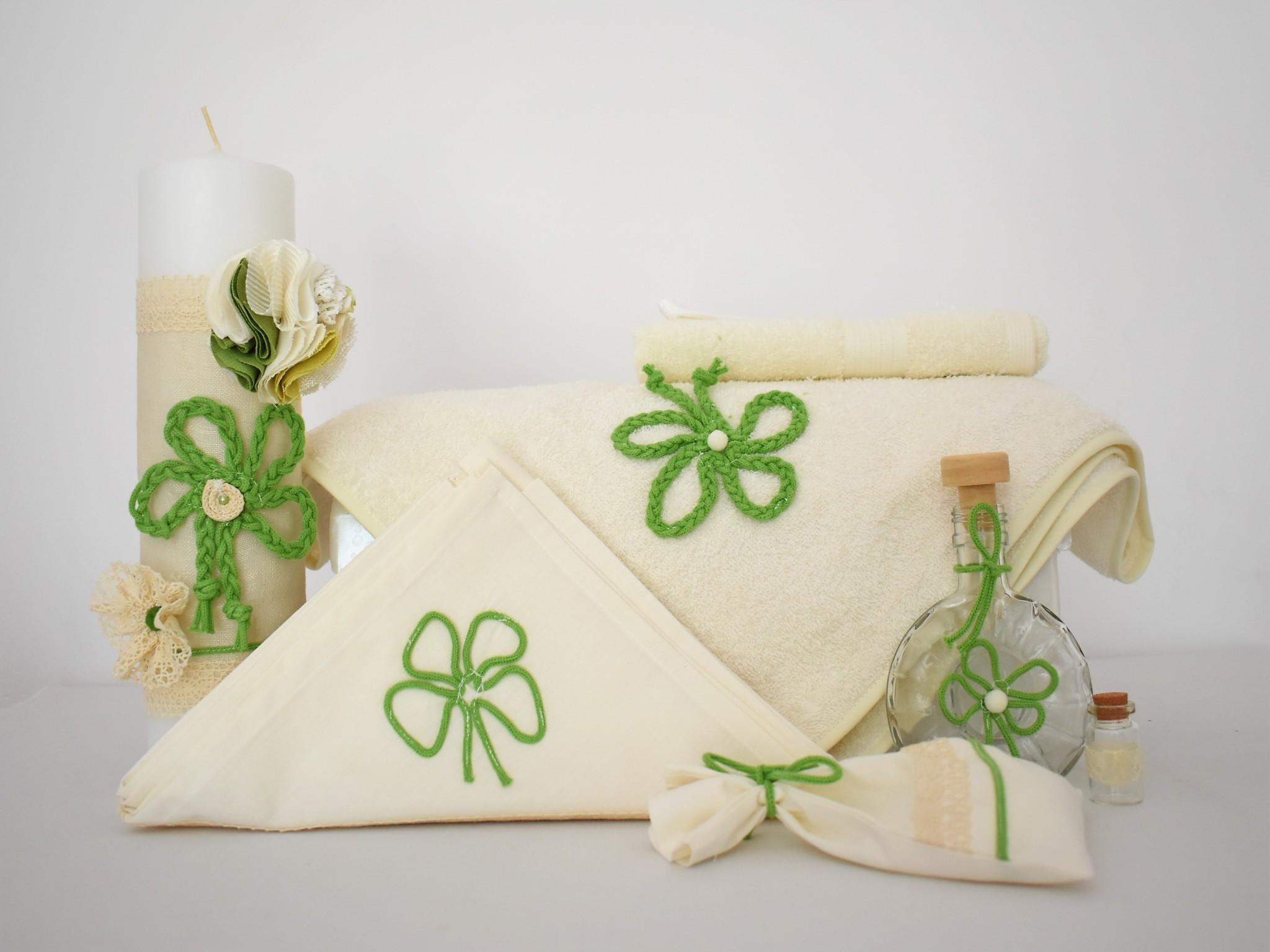 Set trusou ivoire cu lumânare pentru băieți- Noroc Verde