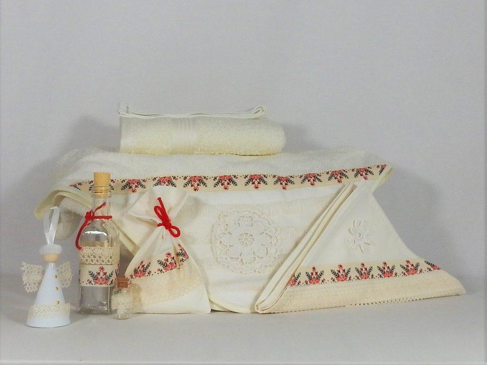 Trusou botez unicat handmade ivoire- Din Croșeta Bunei