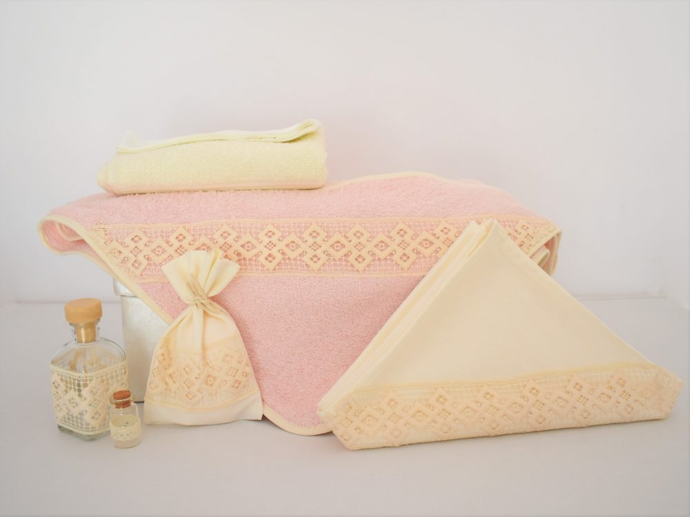 Trusou botez roz pentru fetite- Boabe de Grâu