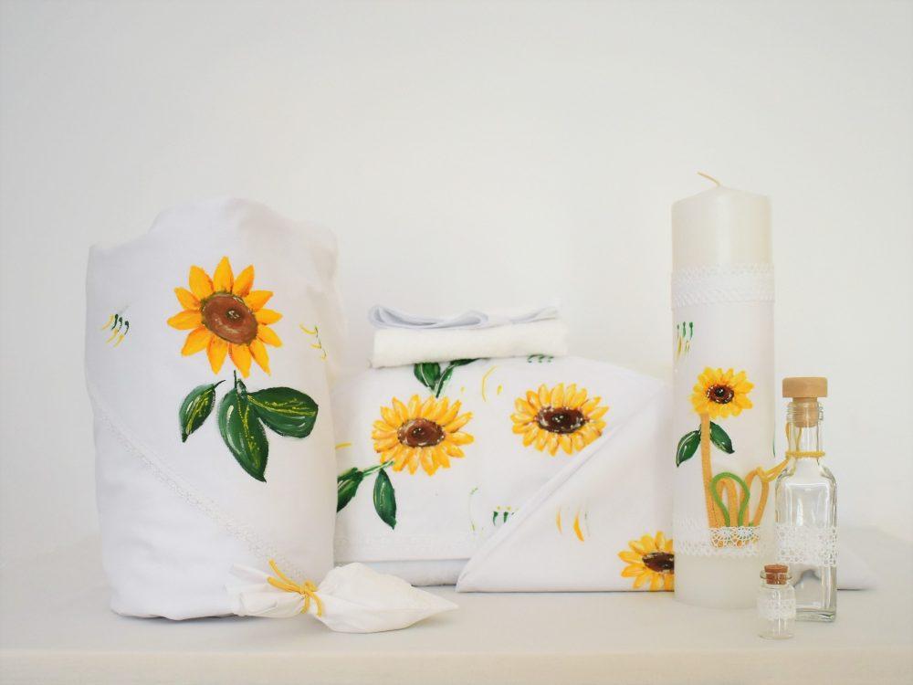 Colecția pictată pentru botez- trusou, lumânare, păturică pentru botez Floarea Soarelui