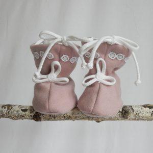 cizmulite botosei roz pudrat