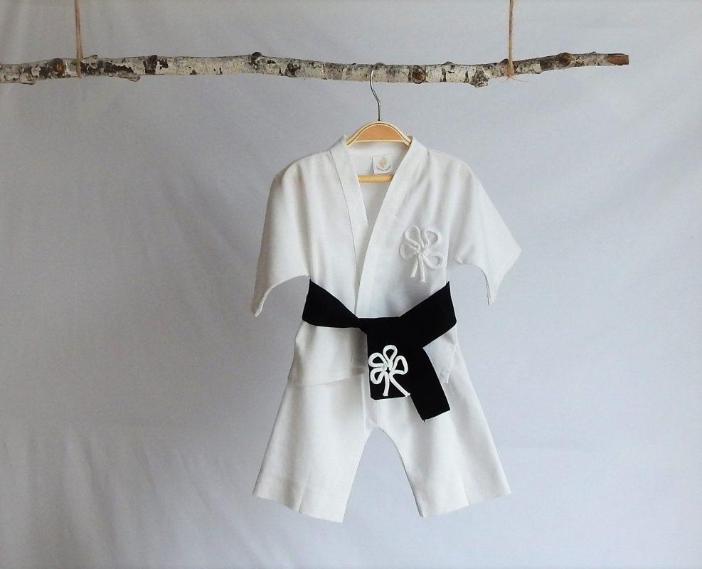 compleu botez chimono micul judoka