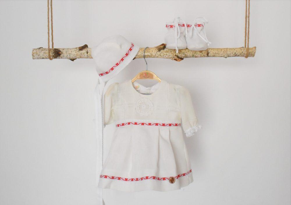rochita alba botez trifoi rosu cu noroc