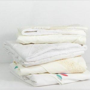 Păturici albe pentru botez și colorate pentru somn ușor