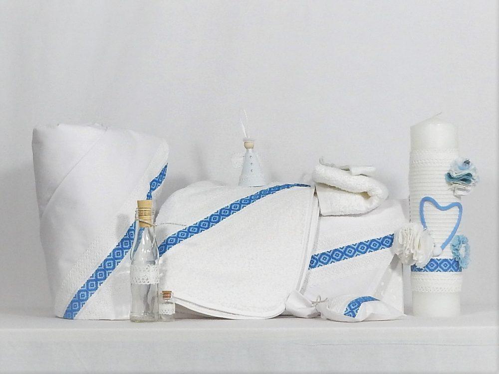 Set botez alb tradițional- trusou cu lumânare și păturică- Tradiție Albastră