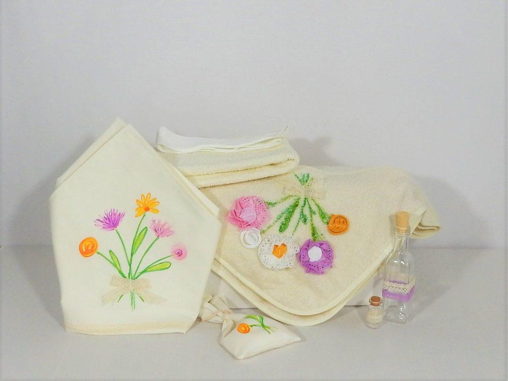 Trusou botez unicat ivoire pentru fetițe- Flori de Vară