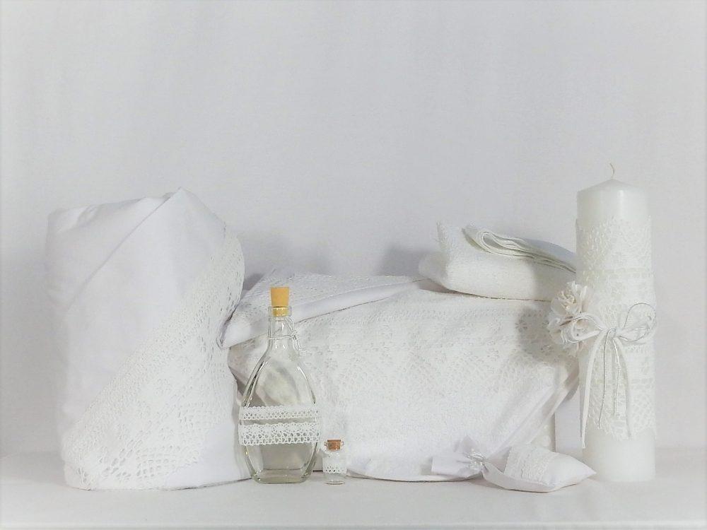Set alb- trusou, lumânare, păturică pentru botez Din Cufărul Bunicii