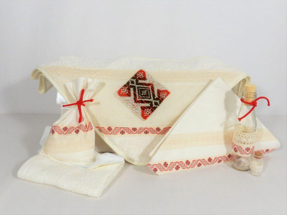 Trusou pentru botez handmade ivoire- Petic Țesut