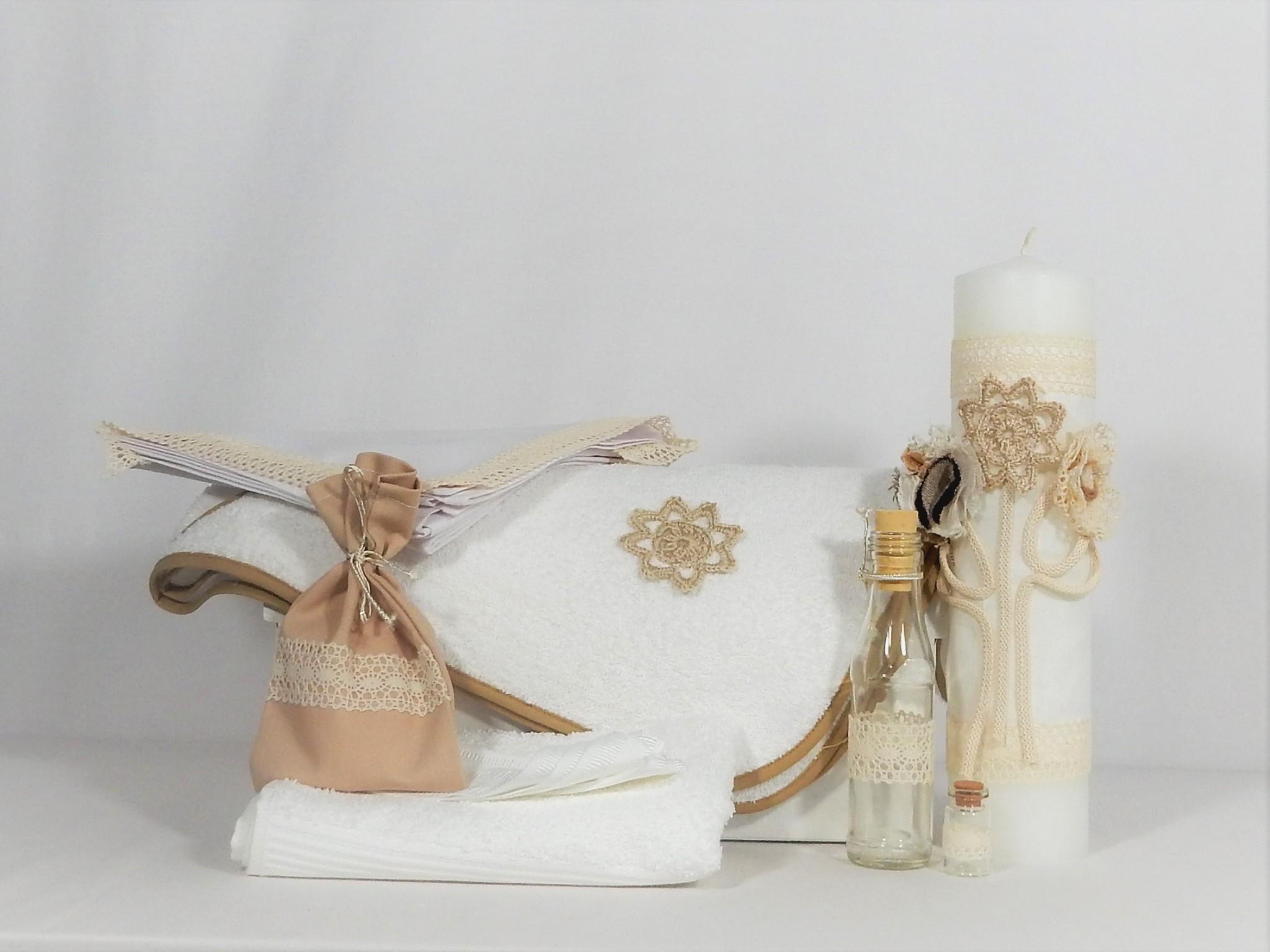 Trusou alb cu lumânare din parafină pentru botez- Cacao cu Lapte