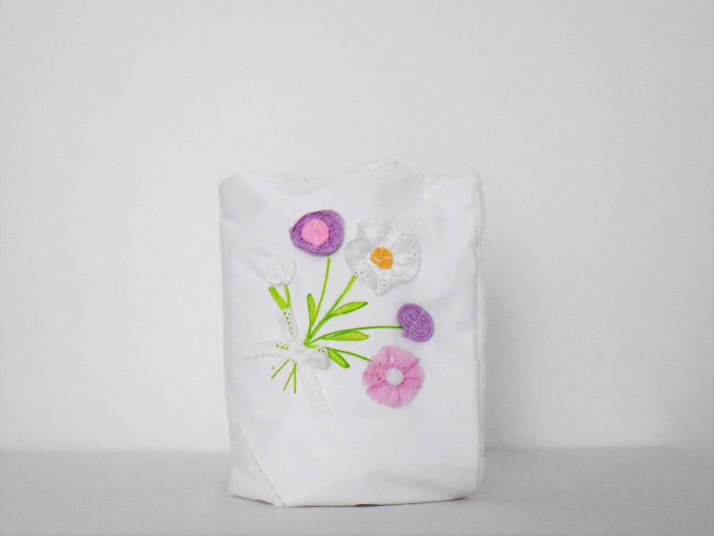 Păturica handmade pentru botez fetițe- Flori de Vară