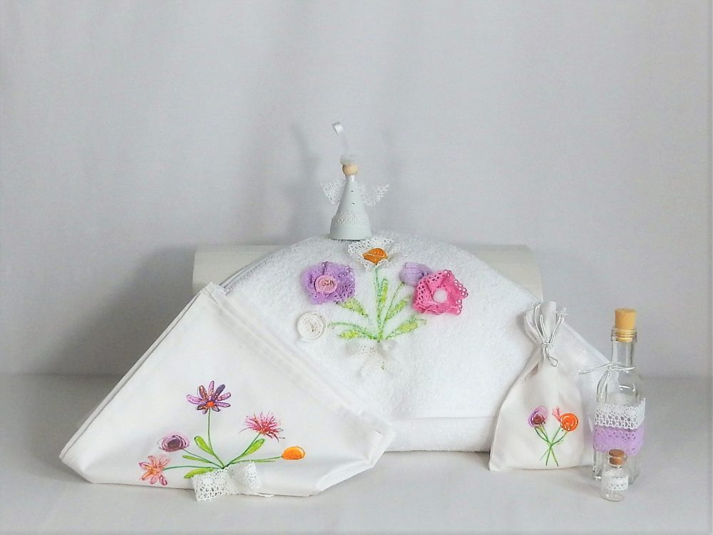 trusou botez deosebit alb flori de vara4