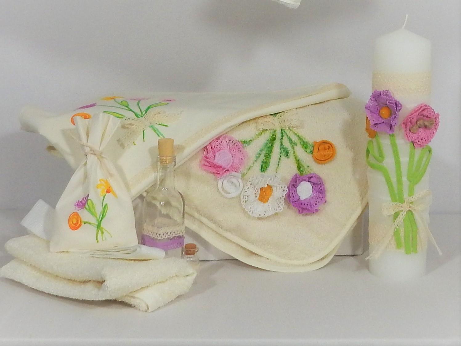 Trusou ivoire cu lumânare pentru botez fetițe- Flori de Vară