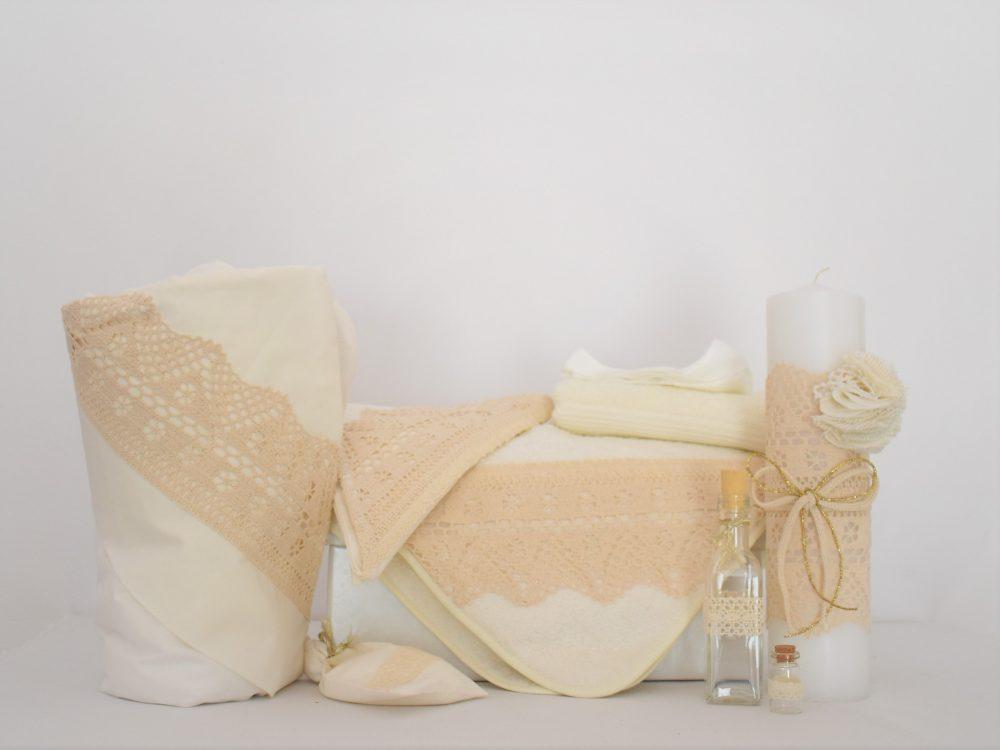 Set ivoire pentru botez- trusou, lumânare, păturică- Dantela Bunicii
