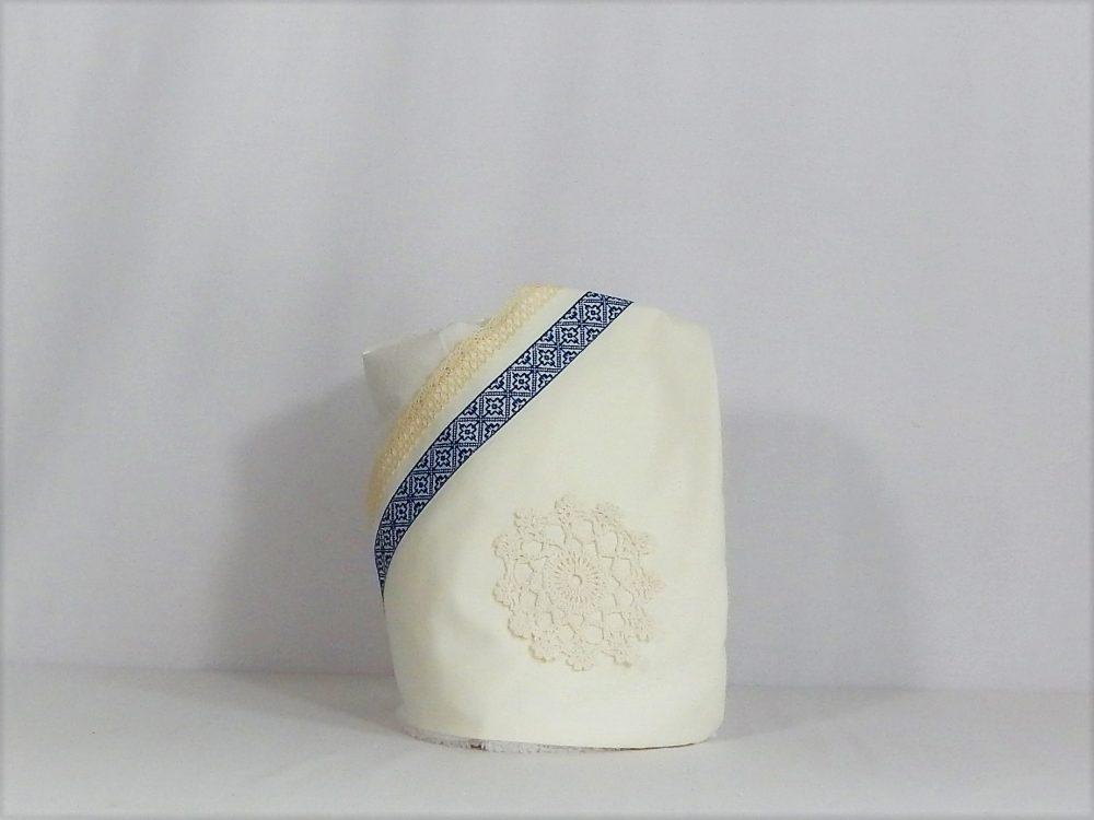 Păturica ivoire unicat pentru botez- Cusătură Albastră