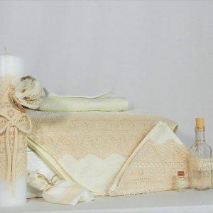Set trusou ivoire și lumânare pentru botez- Dantela Bunicii