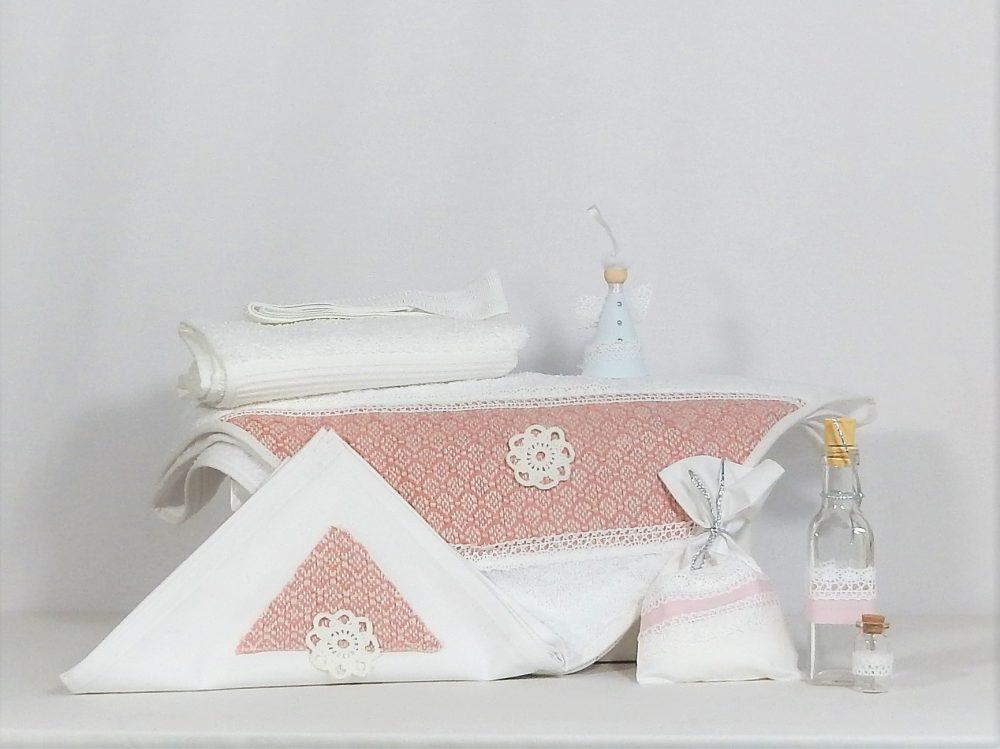 Trusou pentru botez handmade alb - Spuma de Frăguțe