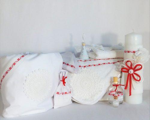 Colecții pentru Botez de vreme rece- trusou, păturică, lumânare și cufăr
