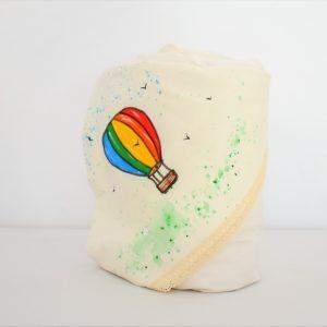 Păturica pictata pe glugă pentru botez băieț balonul