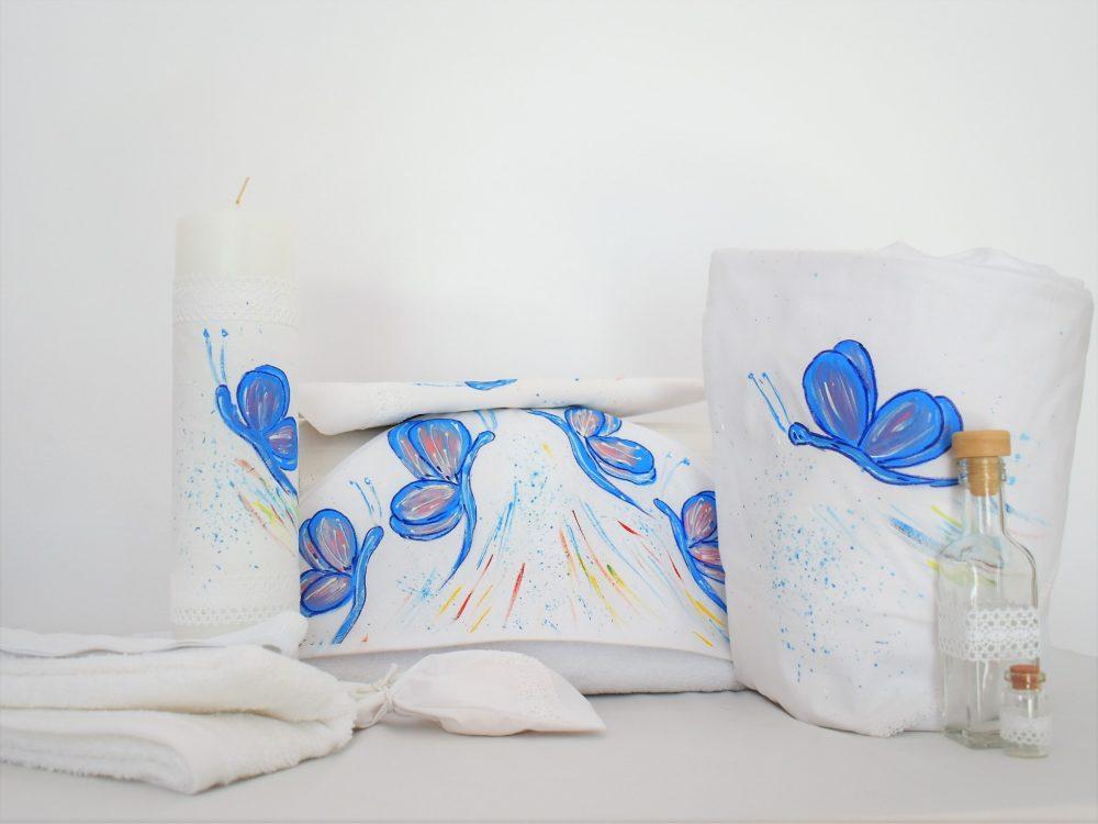 Set pictat pentru un botez- trusou, păturică, lumânare și cufăr- Fluturașul Albastru