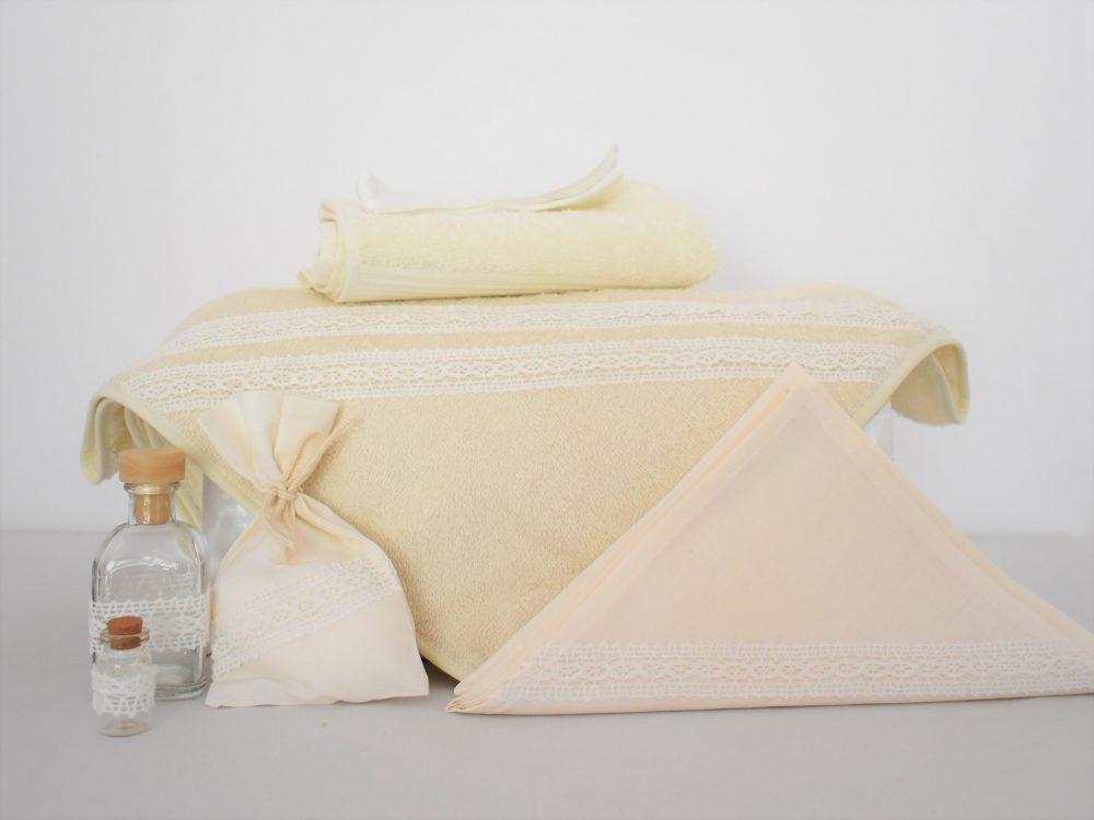 Trusou pentru botez ivoire delicat- Vanilie