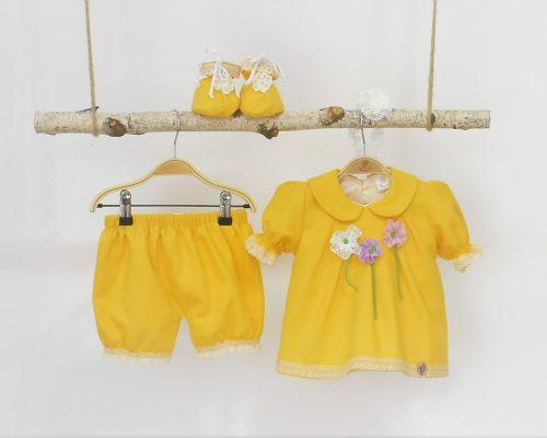Colecția galbena pentru botez Flori în Soare